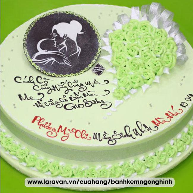 Bánh kem sinh nhật tặng người nổi tiếng
