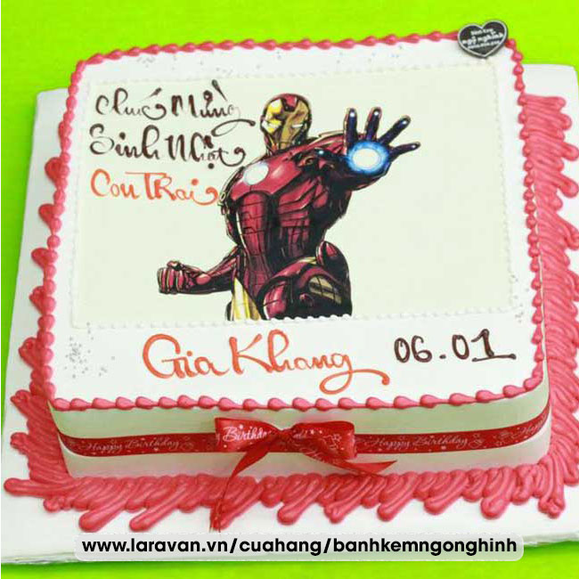 Bánh kem sinh nhật in hình siêu nhân người sắt