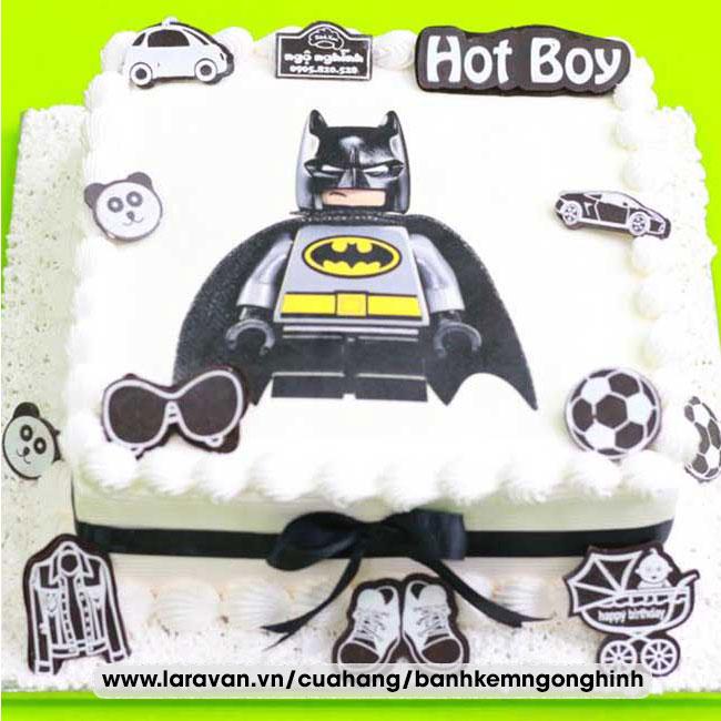 Bánh kem sinh nhật in hình siêu nhân người dơi
