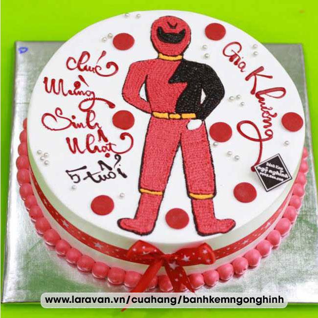 Bánh kem sinh nhật vẽ hình siêu nhân gao
