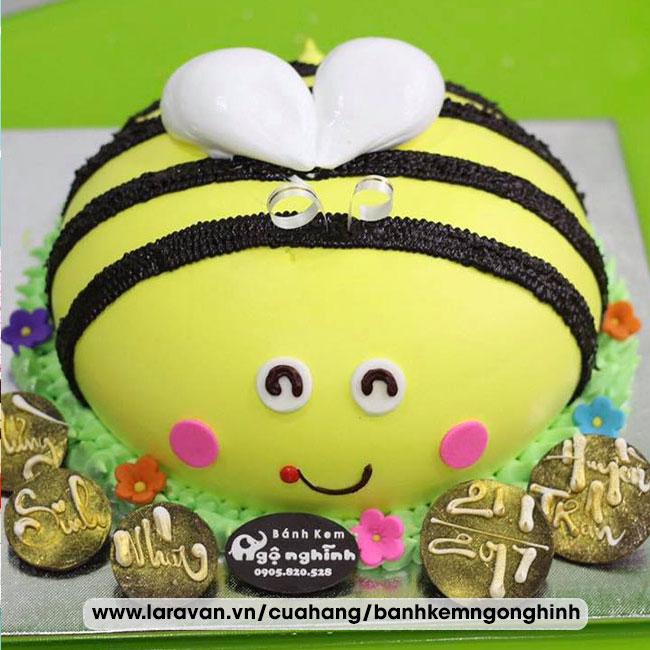 Bánh kem sinh nhật tạo hình 3d con ong