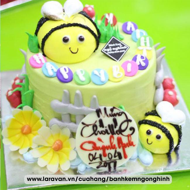 Bánh kem sinh nhật tạo hình 3d chú ong vàng