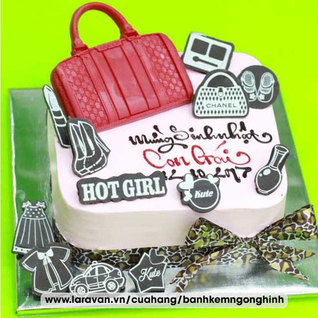 Bánh kem sinh nhật tạo hình túi xách đẹp lạ