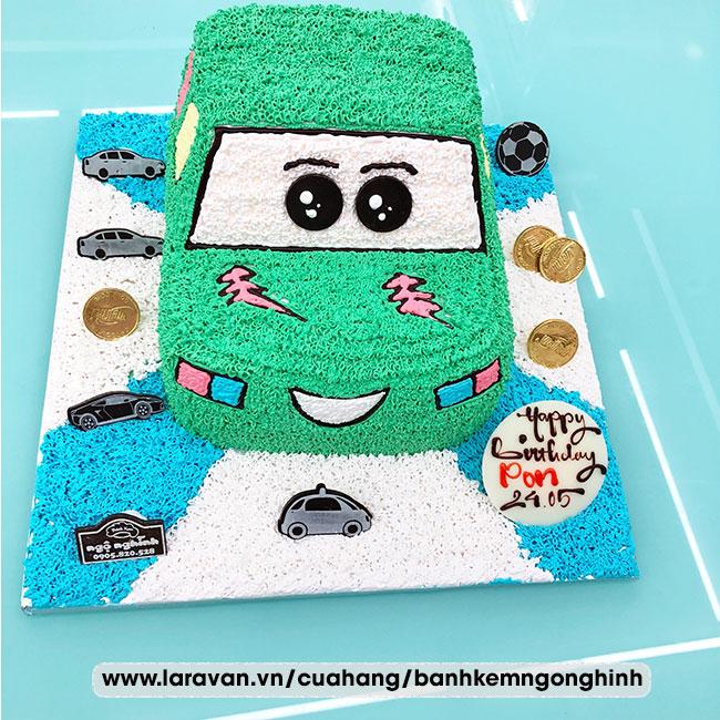 Bánh kem sinh nhật tạo hình xe đua, siêu xe