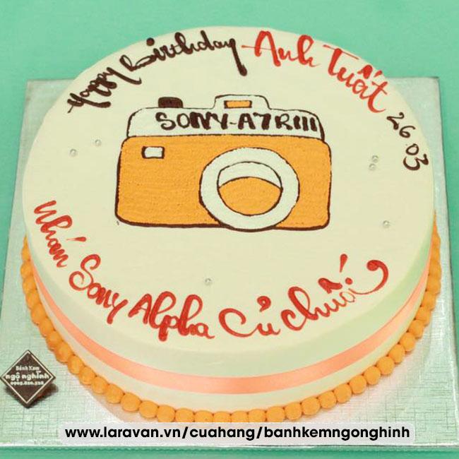 Bánh kem sinh nhật vẽ hình máy ảnh ngộ nghĩnh