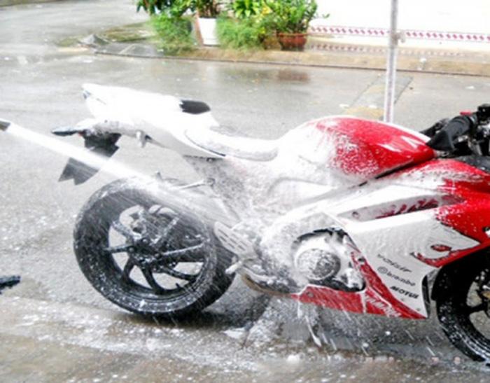 Nước rửa xe bọt tuyết chuyên dụng