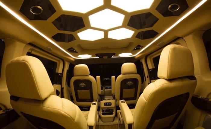 Ford Tourneo Limousine